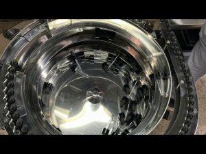 μηχανική μηχανή πλήρωσης και κάλυψης μπουκαλιών τύπου χεριού cbd